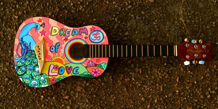 painted-guitar-1087209.jpg